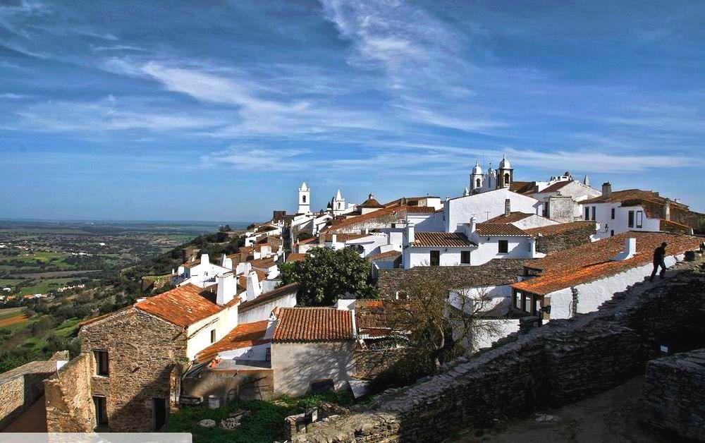 Monsaraz bela vista no alto das colinas | Quinta do Pomarinho